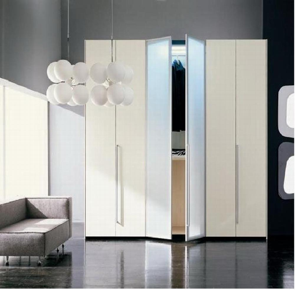 modern-snowy-wardrobe.jpg