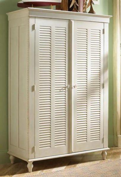 Rubbermade Deluxe Wardrobe Cabinet